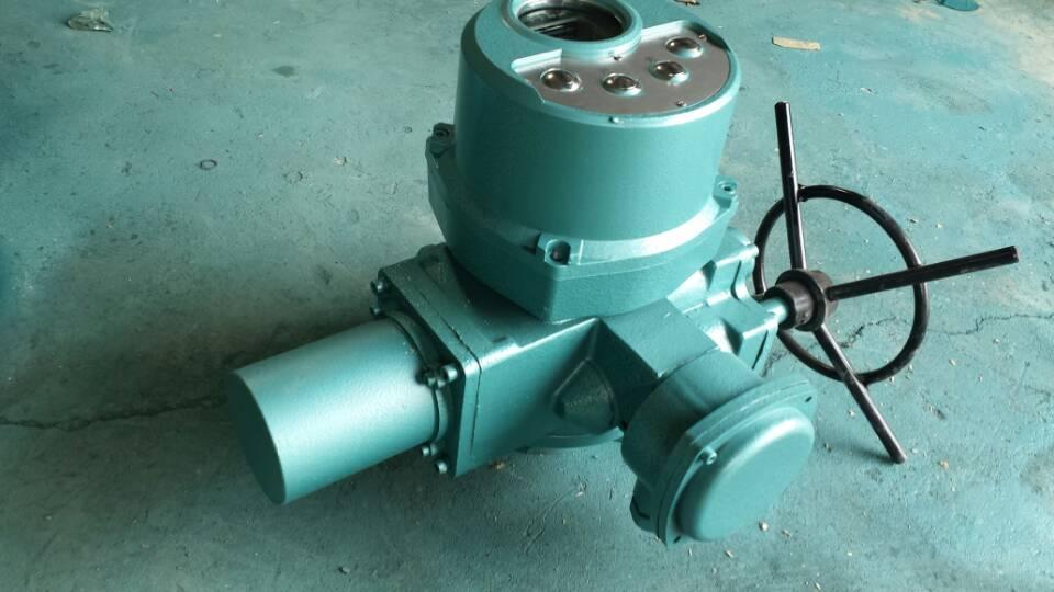 通风蝶阀配套专用执行器Q10-1W适用于蝶阀、球阀、旋塞阀和风门等做90°回转的阀门。 电源:常规,三相380V(50Hz);特殊,三相660V、415V(50Hz 、60Hz);单相220V、110V(50Hz 、60Hz) 环境温度:-20~+60 (特殊订货-40~+80)。 相对湿度:≤95%(25时)。 通风蝶阀配套专用执行器Q10-1W防护类型:户外型用于无易燃、易爆和无腐蚀性介质的场所。隔爆型产品有d和dBT4两种,d适用于煤矿非采掘工作面;dBT4用于工厂,适用于
