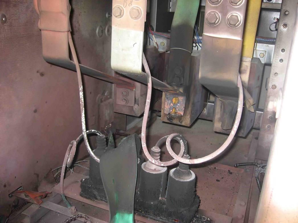 第二天检查情况:10kv电容器组iii 644开关柜内b相ct和铝排连接处松动