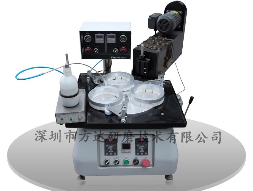公司专业生产强力研磨机抛光机 ,超高性价比,是大平面板面研磨抛光的理想选择。蓝宝石平面研磨机是在前几代产品的基础上,解决了以往研磨过程中所存在的问题而进行进一步改造的。采用水或切削液循环装置,工件不会因发热而变形,可提高研磨效果。http://www.szfangda.com.cn/ 主要用途: 广泛用于LED蓝宝石衬底、光学玻璃晶片、石英晶片、模具、压缩机阀片,液压密封件,导光板、光扦接头等各种材料的单面研磨、抛光. 工作原理: 1.本研磨机为精密研磨抛光设备,被磨、抛材料放于研磨盘上,研磨盘逆时钟转动